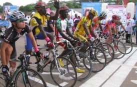 Coup d'envoi du Grand prix cycliste international Chantal Biya
